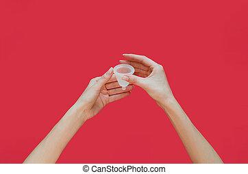 menstrual, produto, higiene, alternativa, cor-de-rosa, feminina, mãos, experiência., copo