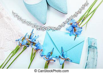 menthe, agua, novia, invitación, boda, novia, shoes, perfume, rodeado, jewellery., mañana, flores