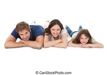mentindo, sobre, fundo branco, família