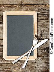 menu, lavagna, dire bugie, su, tavola legno, con, coltello forchetta