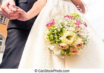 menyasszony, és, vőlegény, birtok, mindegyik, más, kéz