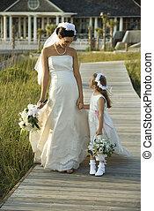 menyasszony, és, virág lány, jár.