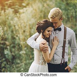 menyasszony, övé, szelíden, átkarolás, lovász