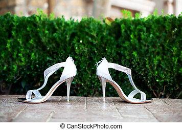 menyasszony, cipők