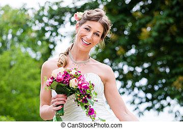 menyasszony esküvő öltözködik, noha, bridal bouquet