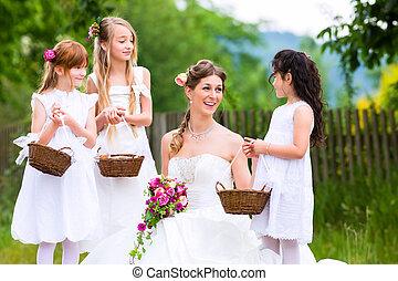 menyasszony esküvő öltözködik, noha, koszorúslányok