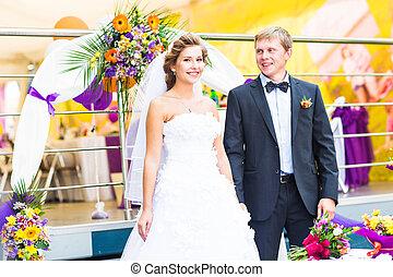 menyasszony inas, -ban, esküvő fogadás