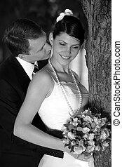 menyasszony inas, csókolózás