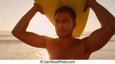 mer, jeune homme