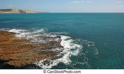 mer, mouvement, pacifique, facilement, nostalgique, vagues, rouleau, lent, rocheux, rivages, atlantique, aérien, ocean., vidéo