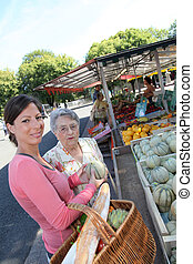 mercearia, shopping mulher, jovem, idoso, ajudando