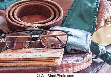 mesa., cuero, eyewear