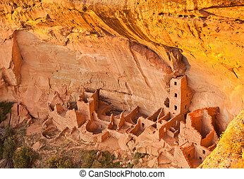 Mesa Verde - Square House Ruin