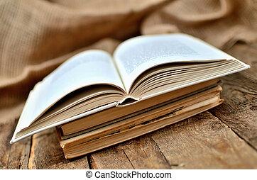 mesquin, bois, vendange, rustique, livre, moitié, table, ouvert, vieux