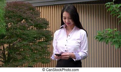 message téléphonique, femme, texting, asiatique