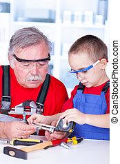mesurer, boulon, petit-enfant, grand-père