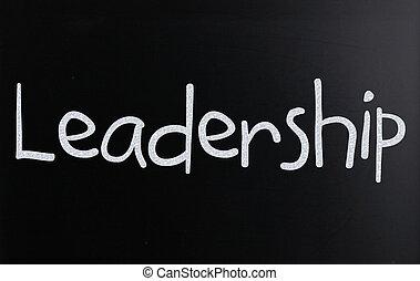 """met de hand geschreven, """"leadership"""", bord, witte , woord, krijt"""