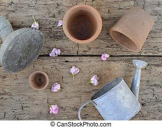metaal kun, cotta, plank, terra, waterinc, potten, bloemen, kroonbladen