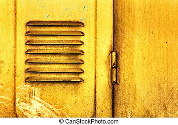 metal, amarela