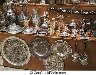 Metal dishware shop