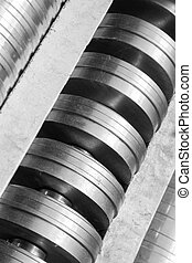 metal rotating mechanism