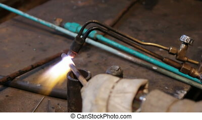 metall bend with gas welding