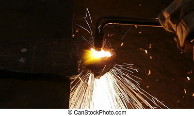 metall cutting with gas welding