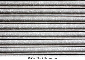 Metallic shutters