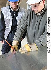 metallo, apprendista, taglio, foglio, ingegnere