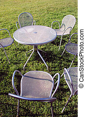 metallo, sedie, e, tavola