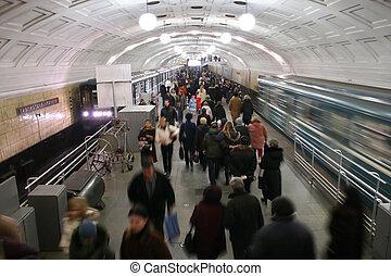 metro, multitud