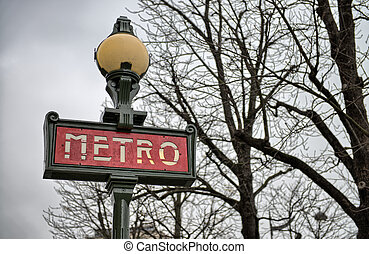 Metro Sign in Paris on a cold December morning