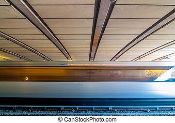 metro, zug, bewegen, per, an, der, station