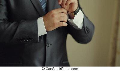 mettre, homme affaires, montre