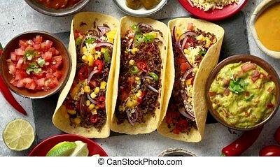 mexicain, viande, servi, légumes, tacos, divers, salsa,...
