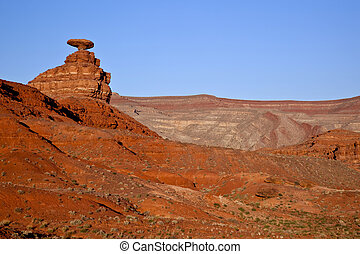 Mexican Hat Rock near the Utah and Arizona boarder showing ...