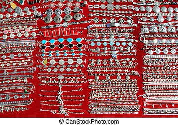 Mexican silver jewellery rows Mexico handcrafts