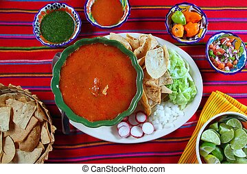 mexicano, pozole, maya, sopa, yucatán, chile, salsas