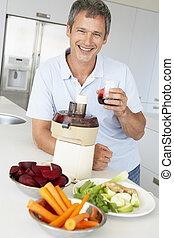 mezzo, succo, fabbricazione, verdura, fresco, invecchiato, uomo