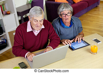 miłość, senior, technologia, para