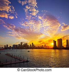 miami, śródmieście, sylwetka na tle nieba, zachód słońca, floryda, na