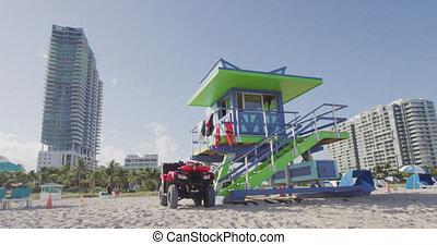 miami, south tengerpart, florida, lifeguard emelkedik, épület, alatt, jellegzetes, rajzóra deco, mód