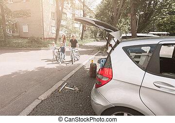 miasto, jazda, rower, ulica., rodzina