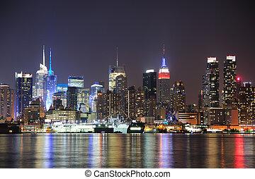 miasto, midtown, sylwetka na tle nieba, york, noc, nowy,...