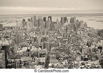 miasto nowego yorku, manhattan, śródmieście, sylwetka na tle nieba, czarnoskóry i biały