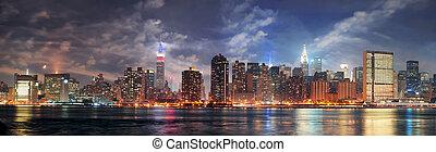 miasto nowego yorku, manhattan, midtown, na, zmierzch