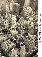miasto nowego yorku, manhattan skyline, antenowy prospekt, czarnoskóry i biały