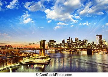miasto nowego yorku, -, manhattan skyline, na, zima, zachód słońca