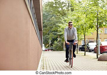 miasto, rower, młody, ulica, jeżdżenie, człowiek
