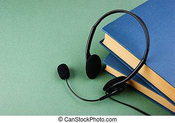 microfone, fones, livros, experiência verde, pilha